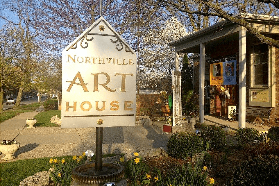 https://www.facebook.com/NorthvilleArtHouse/photos/a.10150743186903690.463605.176508418689/10151953550998690/?type=1&theater