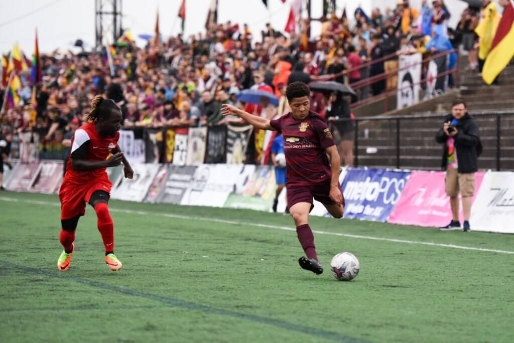 https://www.facebook.com/detroitcityfc/photos/a.1775596095788585.1073741920.294353410579535/1775597515788443/?type=3&theater