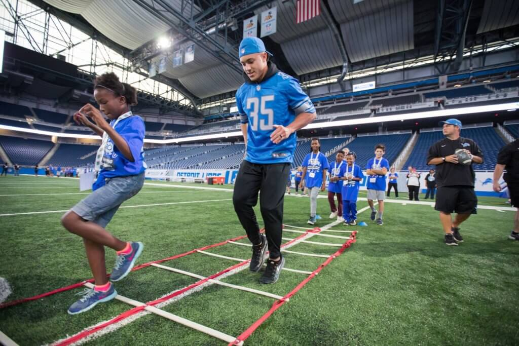https://www.facebook.com/fordfield/photos/a.416399082506.188756.31398397506/10155070282342507/?type=3&theater