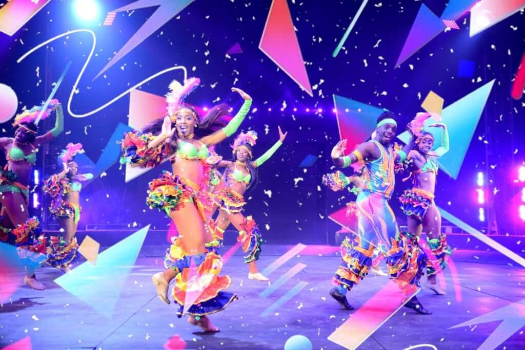 https://www.facebook.com/universoulcircus/photos/a.111653439103.121634.64835034103/10155685594909104/?type=3&theater