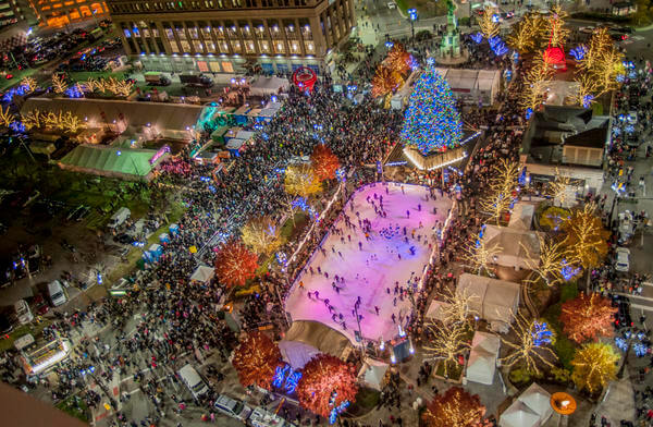 Campus-Martius-Park-DETROIT-TREE-LIGHTING-CEREMONY-2016-DETROIT-TREE-LIGHTING-CEREMONY-at-Friday-November-18-2016-08-00-00-pm_reference