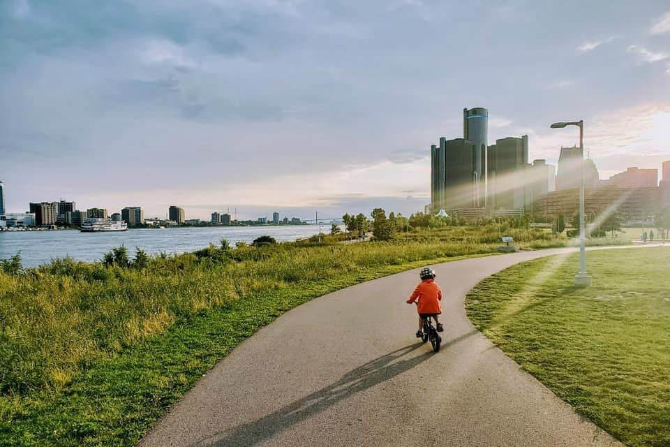 daily inspiration guide for those home with kids detroit little guide detroit